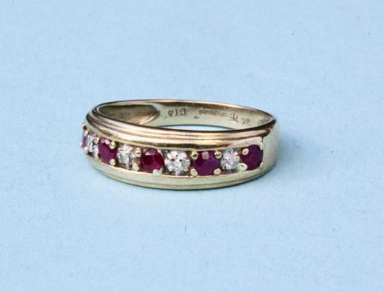 VINTAGE RUBY AND DIAMOND RING