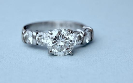 2 CT PLATINUM DIAMOND SOLITAIRE ENGAGEMENT RING