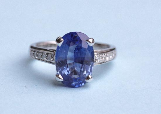 3ct SAPPHIRE AND DIAMOND ENGAGEMENT RING.