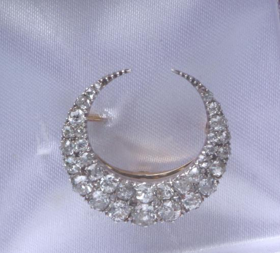 ANTIQUE DIAMOND CRESCENT BROOCH