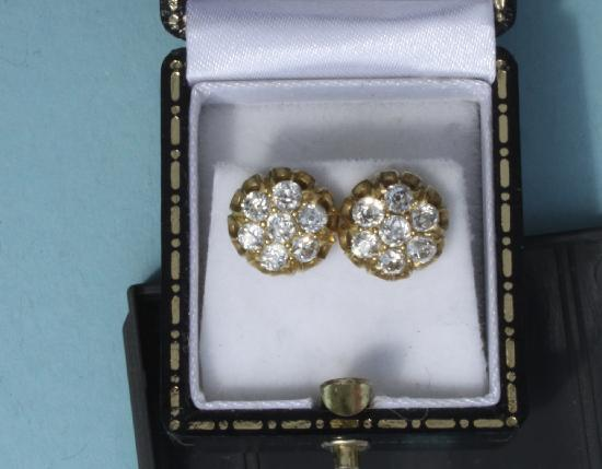 ANTIQUE DIAMOND QUALITY EARRINGS