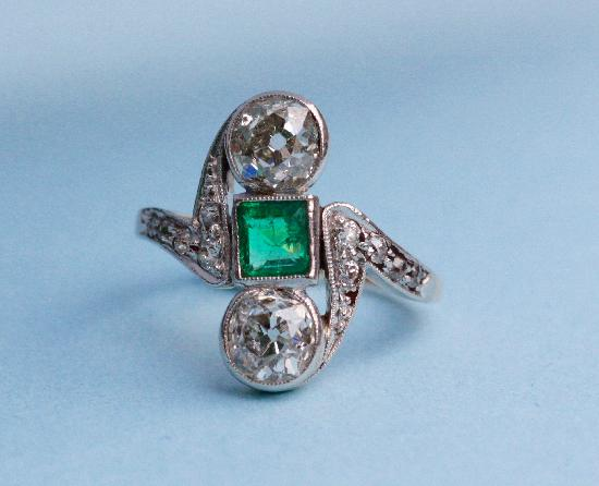 ANTIQUE EMERALD AND DIAMOND ENGAGEMENT RING