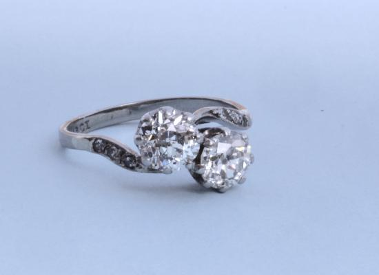 ANTIQUE TWIN DIAMOND ENGAGEMENT RING