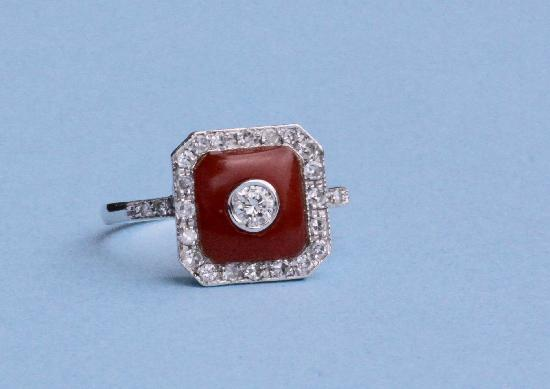 ART DECO DESIGN DIAMOND AND CORAL SQUARE RING