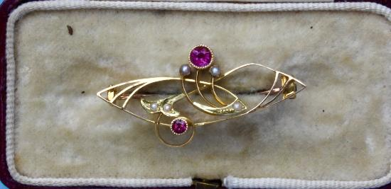 ART NOUVEAU BAR BROOCH