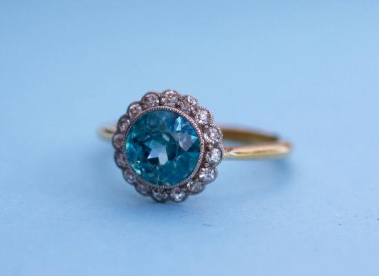 BEAUTIFUL BLUE ZIRCON AND DIAMOND EDWARDIAN RING
