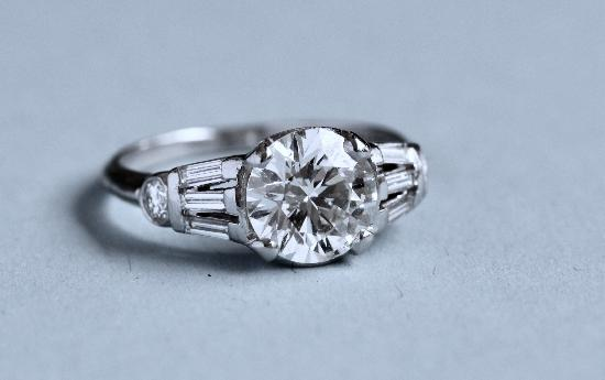 BEAUTIFUL SOLITAIRE DIAMOND ENGAGEMENT RING 2CT