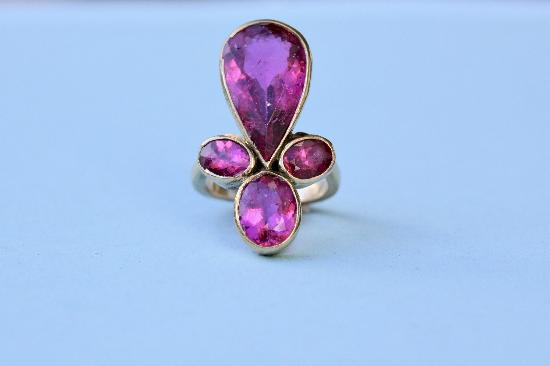 BEAUTIFUL UNUSUAL PINK TOURMALINE VINTAGE RING