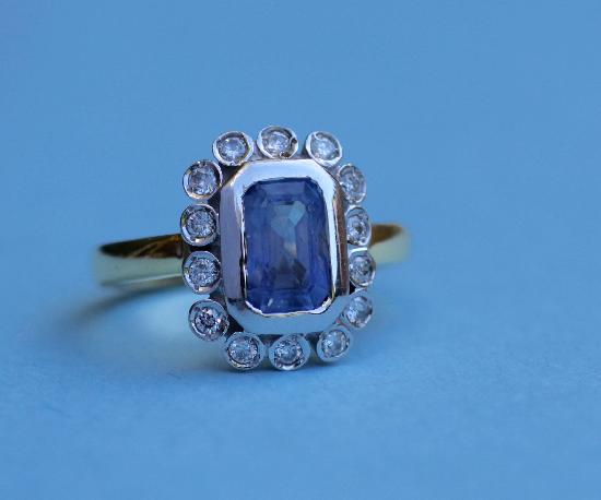 CORN FLOWER BLUE SAPPHIRE AND DIAMOND ENGAGEMENT RING