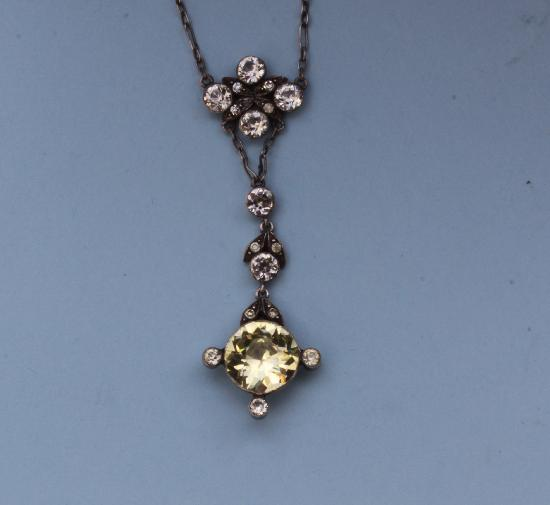 EARLY 19TH CENTURY PASTE PENDANT