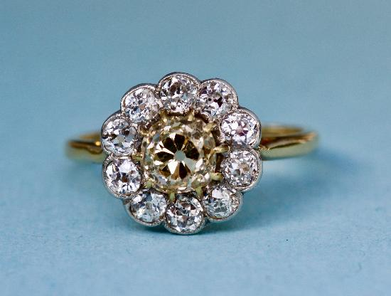 EDWARDIAN CINAMMON AND WHITE DIAMOND ENGAGEMENT RINO