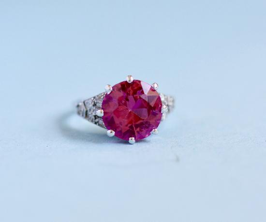 EDWARDIAN PLATINUM PINK STONE AND DIAMOND RING