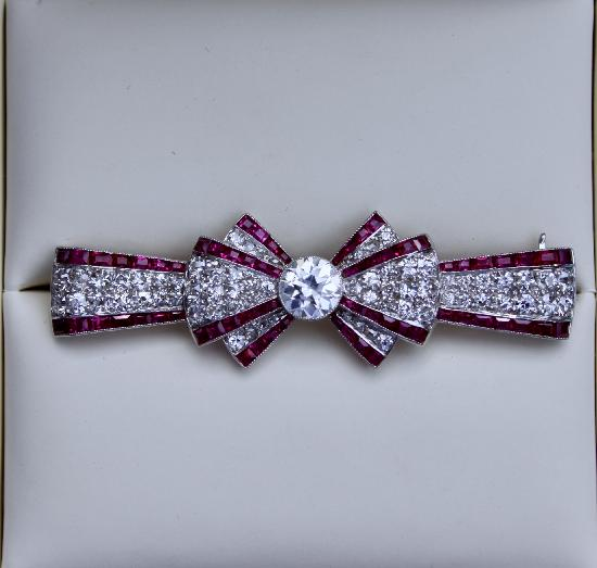 FABULOUS ART DECO RUBY AND DIAMOND BOW BROOCH