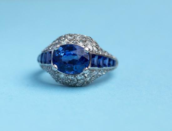 FABULOUS FRENCH SAPPHIRE AND DIAMOND ART DECO RING