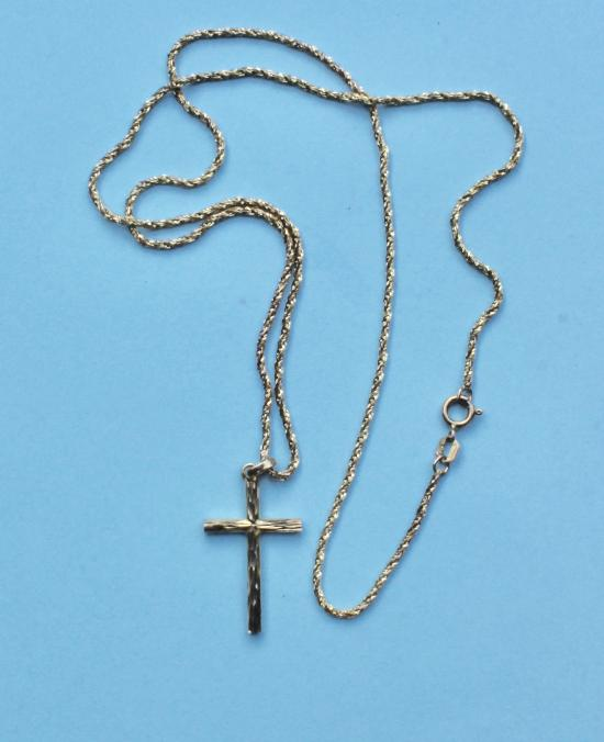 GOOD QUALITY GOLD CROSS AND CHAIN