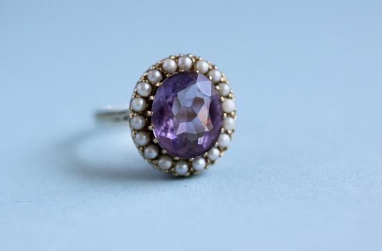 LOVELY ANTIQUE AMETHYST AND SEED PEARL RING