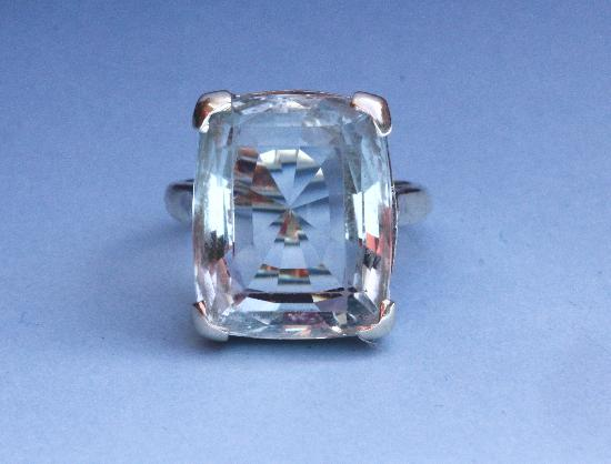 LOVELY LARGE AQUAMARINE ART DECO RING