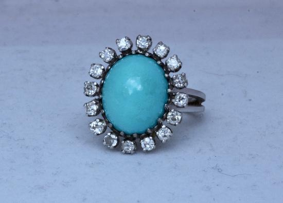 LOVELY VINTAGE TURQUOISE AND DIAMOND RING