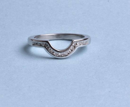 PLATINUM AND DIAMOND SHAPED WEDDING RING