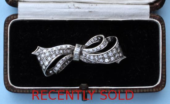 LATE VICTORIAN DIAMOND BOW BROOCH