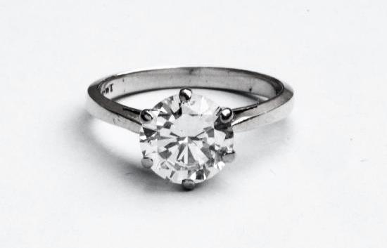 STUNNING 2CT BRILLIANT-CUT SOLITAIRE ENGAGEMENT RING.