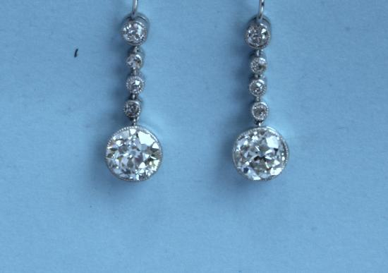 STUNNING DIAMOND EARRINGS CIRCA 1920