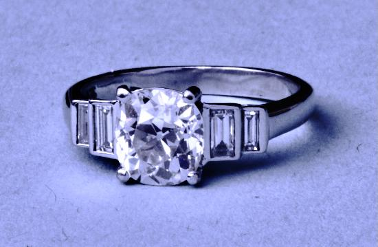 STUNNING OLD CUSHION CUT DIAMOND SOLITAIRE ENGAGEMENT RING.