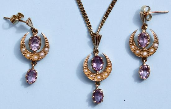 VINTAGE AMETHYST AND SEED PEARL EARRINGS AND NECKLACE SET