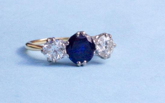 VINTAGE SAPPHIRE AND DIAMOND THREE STONE ENGAGEMENT RING
