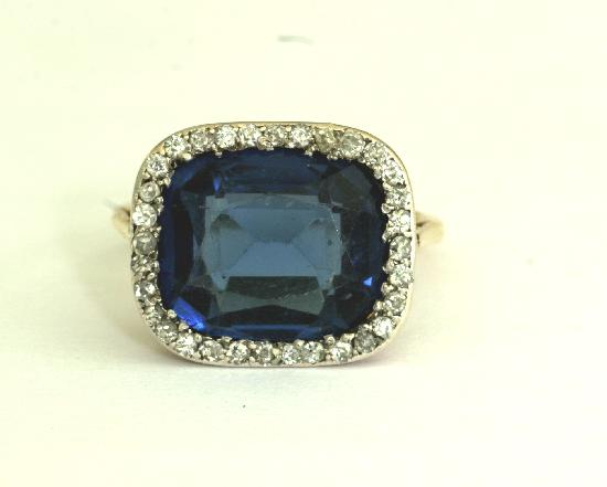 VINTAGE SAPPHIRE STYLE AND DIAMOND DRESS RING