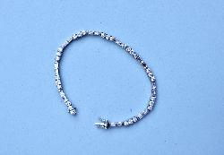 Fine Quality Diamond Line Tennis Bracelet