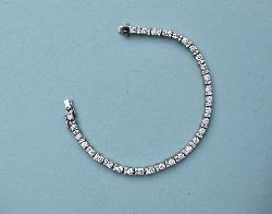 Fine Quality Diamond Tennis Bracelet
