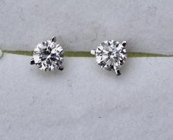 Good Quality Diamond Stud Earrings
