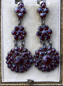 Lovely Georgian Garnet Drop  Earrings