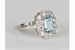 Platinum Aquamarine And Diamond Stylish Ring