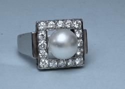 Platinum Pearl And Diamond Stylish Dress Ring