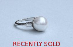 Stylish Pearl And Diamond Ring