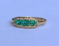 Stunning Antique Emerald And Diamond Ring
