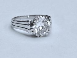 Stunning Diamond Solitaire Art Deco Engagement Ring