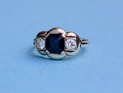 Stylish Continental Sapphire And Diamopnd Three Stone