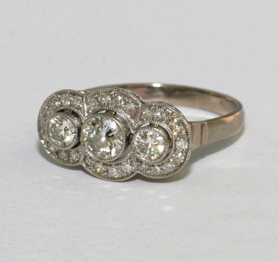Vintage Diamond 3 Stone Engagement Ring